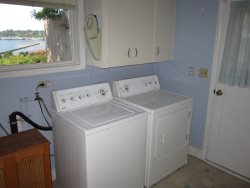 Newport Getaway - Laundry Room - Washer and Dryer
