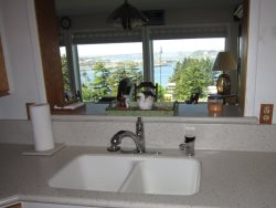 Newport Getaway - Full Kitchen - View