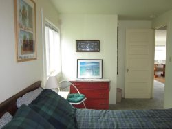 Anchor View - Upper Level - Bedroom 1 with Queen bed, photo 2