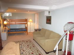 Ocean Breeze - Lower Level Sleeping Area with Twin Bunkbeds