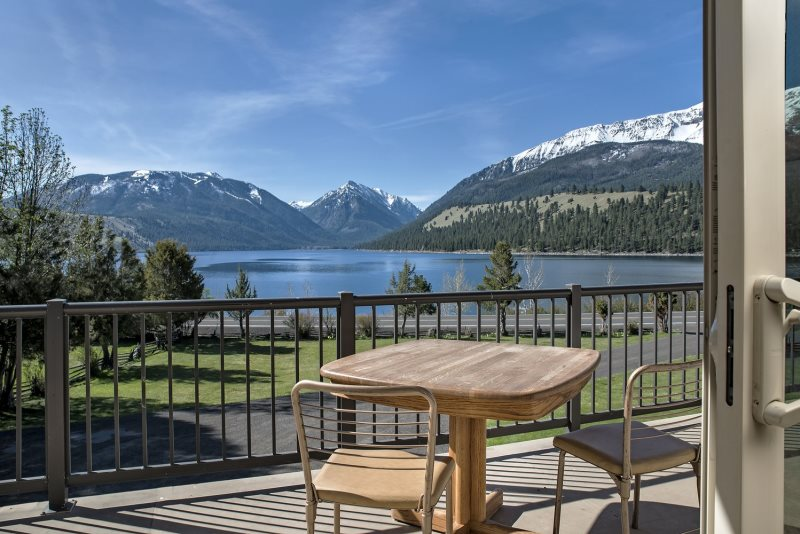 Mountain echo 22 wallowa lake view home large private for Echo lake cabin rentals
