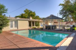 Grand Peaks Pool House., Large Pet Friendly Salt Lake Rental Home for Families