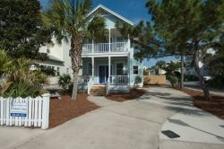 Remodeled Beach Home, 3 King Bedrooms + Bunk Room, Private Pool