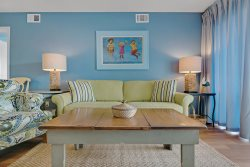 2 King Masters - New Decor - Private Beach - Pet Friendly