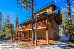 Moccasin Lodge is a Beautiful Family Cabin