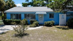 1007 Butler Avenue - Classic Tybee Cottage - One Block to the Beach - Small Dog Friendly