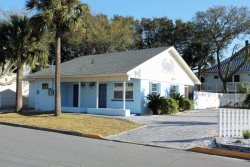 1102 Butler Avenue - Tybee Blue Crab Cottage - Small Dog Friendly - Hot Tub - FREE Wi-Fi