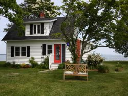 Tilghman Renovated 1920`s Waterman Cottage