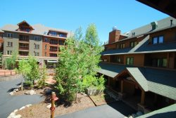 Arapahoe Lodge has a great location in the heart of River Run Village