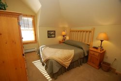 Delightful bedroom with a queen bed