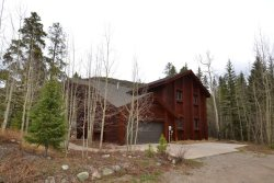 Beautiful, four bedroom, mountain retreat home