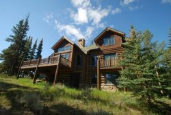 Beautiful log home located in the prestigious Keystone Ranch neighborhood