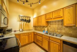 Deluxe, fully equipped kitchen with stainless steel appliances
