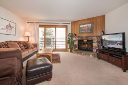 Snowdance Manor 205 - Walk to slopes, indoor pool and hot tub, Mountain House!