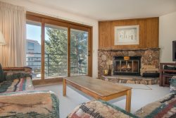 Snowdance Manor 307 - Walk to slopes, indoor pool and hot tub, Mountain House!