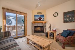 Tenderfoot Lodge featuring hot tubs and great views of Keystone Mountain