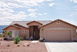 Spacious, bright, clean comfortable and inviting home in Cornville, only 20 minutes from Sedona! CEDAR - RIDGE - S070