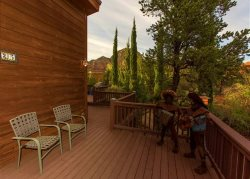 Beautifully Remodeled Home Opens to Sedona`s Stunning Red Rocks.