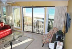 Beachfront Townhome Style Condo - Quiet Beach