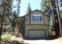 Upgraded Tahoe home with hot tub and fenced back yard, close to hiking trail access