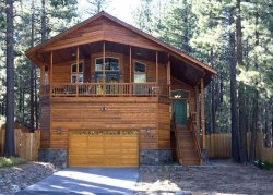1164J-New Deluxe home with hot tub and all amenities, in town, near beaches