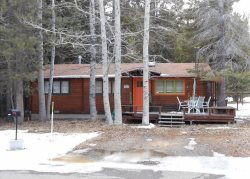 1577A-Cozy Tahoe Style Cabin with wifi and close to trail and great mountian biking