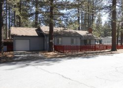 3066F-Affordable family cabin a few blocks to Lake Tahoe