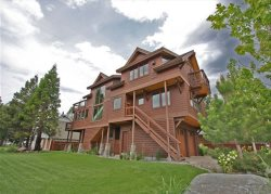 4039G-Deluxe Tahoe Stateline area home; one block to lake, walk to casinos, Heavenly Village and Gondola!