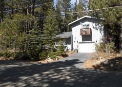 763K-Mountain Cabin with big sleeping loft area and hot tub, nice wooded area
