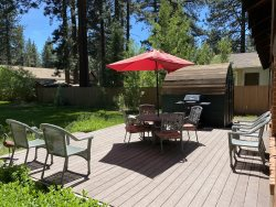 V23-Fantastic Tahoe cabin near the Lake with fenced backyard, hot tub, pets allowed