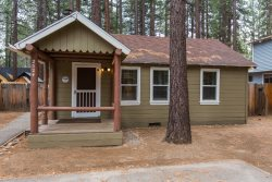 2524K-Newly remodeled cabin, cute and cozy, gas fireplace, flatscreen TV`s in every room