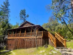 Vander Lodge - Wifi access and PET FRIENDLY!!!