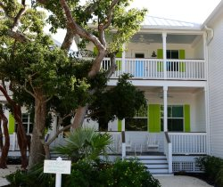 Located in the Arts District of Islamorada, your brand new 3 BR Villa Rental is near iconic marinas and favorite restaurants.