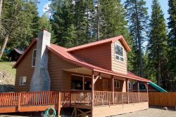 Cabin close to lake and activities with mountain view