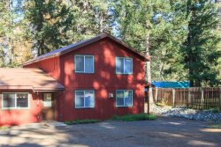 Large Wallowa Lake Vacation Rental w large back deck