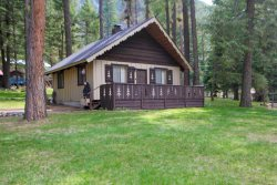 Classic 50`s beautiful two bedroom vacation cabin