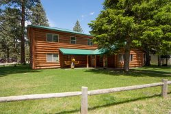 Newer very large log house ideal for family reunion