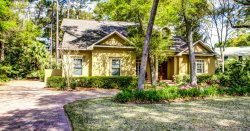 14 Sweetwater Oaks Dr