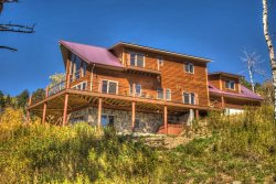 Eagle Trail Lodge - Amazing views, pool table, hot tub, wi-fi