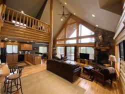 Aspen Ridge Red-Cabin with lots of space and panoramic views