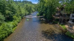 1 Bedroom Condo on the Chattahoochee River In Helen GA. Perfect location for visiting downtown Helen GA