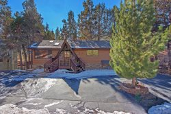 Catalina Lodge is a Cabin that is just minutes away from the ski resorts, includes a hot tub and game table.