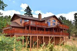 All Seasons is a luxury Big Bear Vacation Cabin where you will enjoy scenic views of the lake.