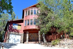 Four Bear Lair - Escape to this spacious and fun filled Vacation Cabin in Big Bear near Bear Mountain Ski Resort.