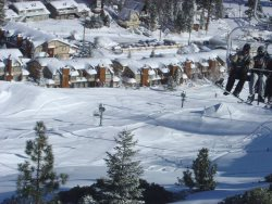 Big Bear Ski In Ski Out is a perfectly located condo rental on slopes of Bear Mountain Ski Resort.