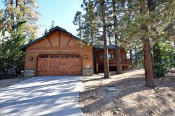 Pine Retreat is an affordable 3 bedroom Big Bear cabin rental in the quiet Fox Farm neighborhood  just minutes from Bear Mountain Resort.