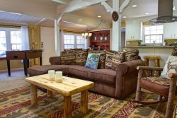 Bear Creek is a cozy inviting Big Bear Vacation Cabin rental that is perfectly located in the middle of everything fun.