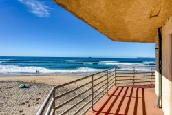 IBCLUB 207 -Large Bright, Sunny,  Oceanfront 3 Bedroom Condo on Second Floor