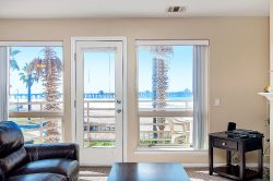 IBClub 204 - Southwest Facing 2 Bedroom Overlooking the Grass Park and Pier