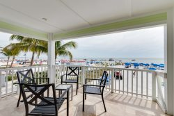 Direct Beachfront Luxury Suite in a Private Resort with Amazing Views -Brand New Pool and Spa!